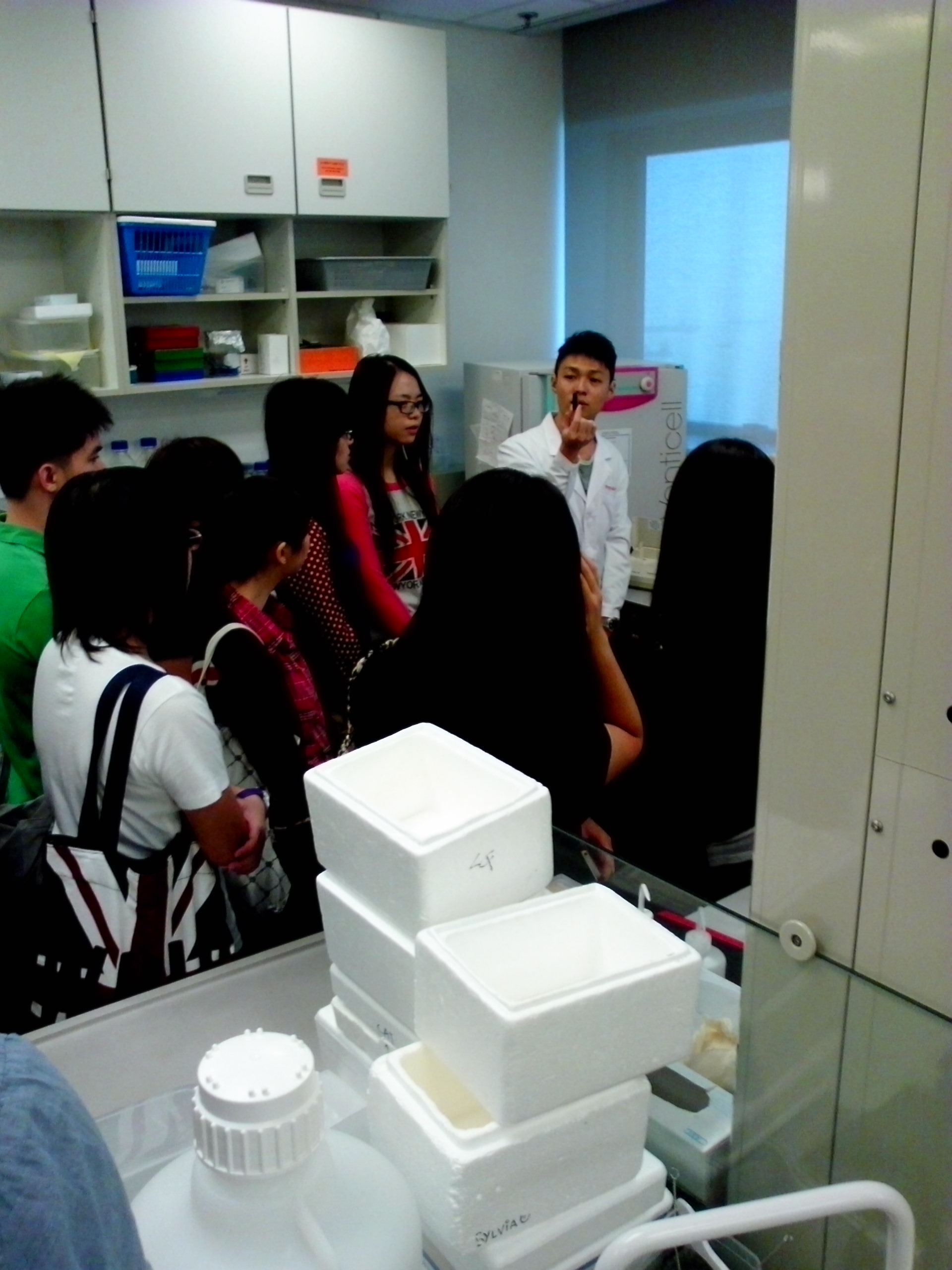 Visit to Laboratories of Department of Psychiatry, Faculty of Medicine, HKU - Photo - 11