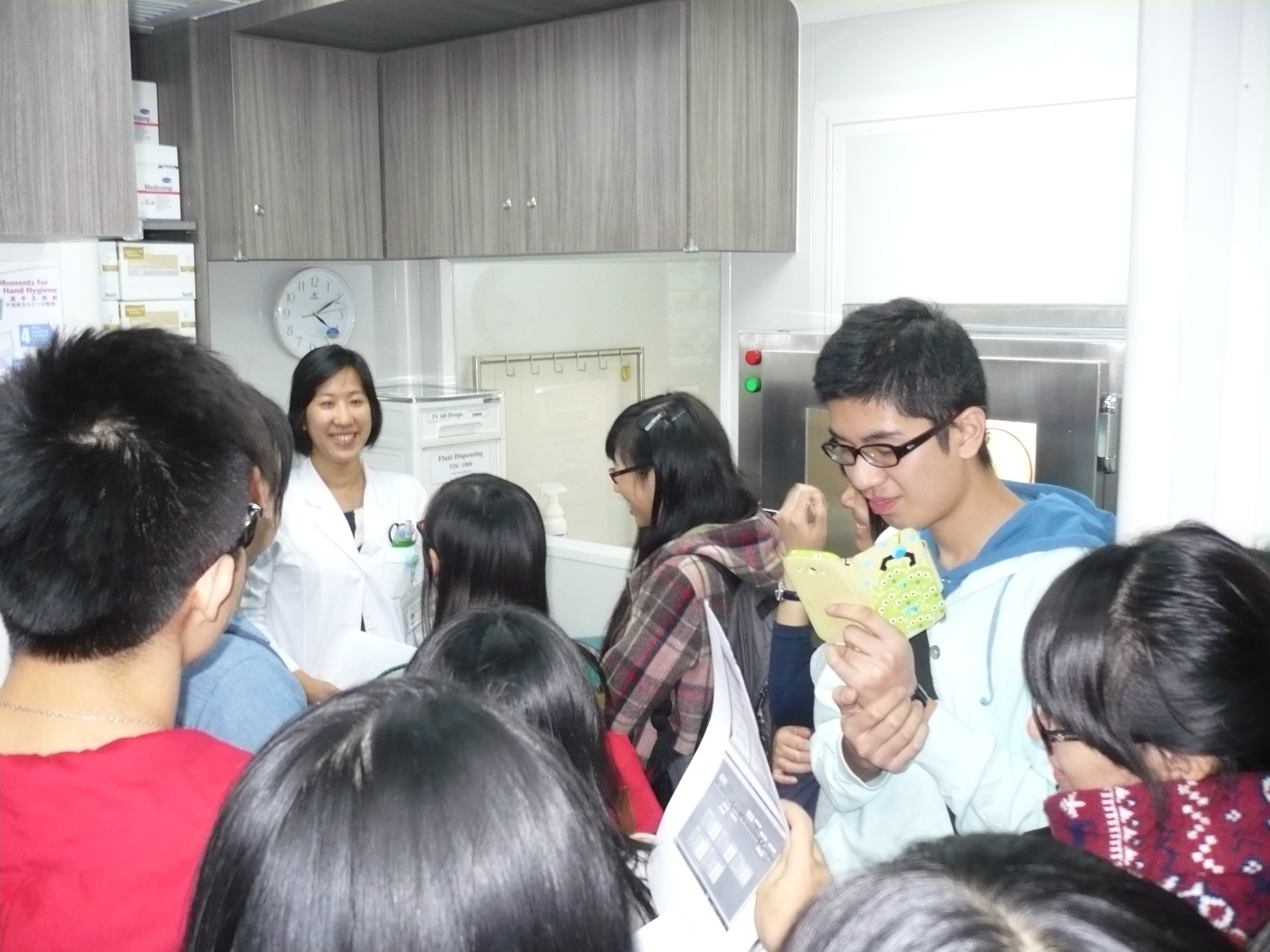 Visit to the Pharmacy Department of Hong Kong Adventist Hospital - Photo - 9