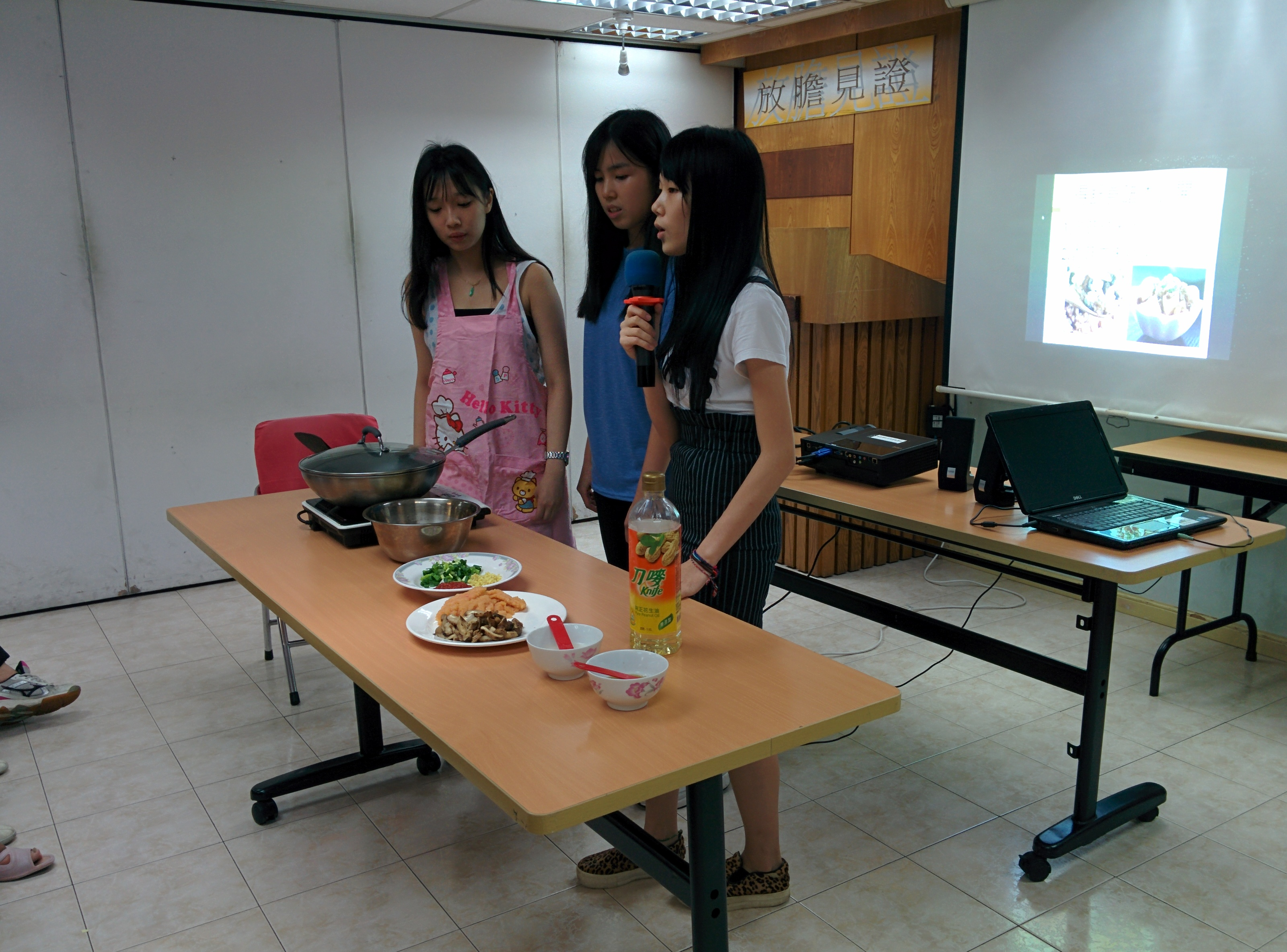 Outreach project – Organizing nutrition talk in community center - Photo - 39