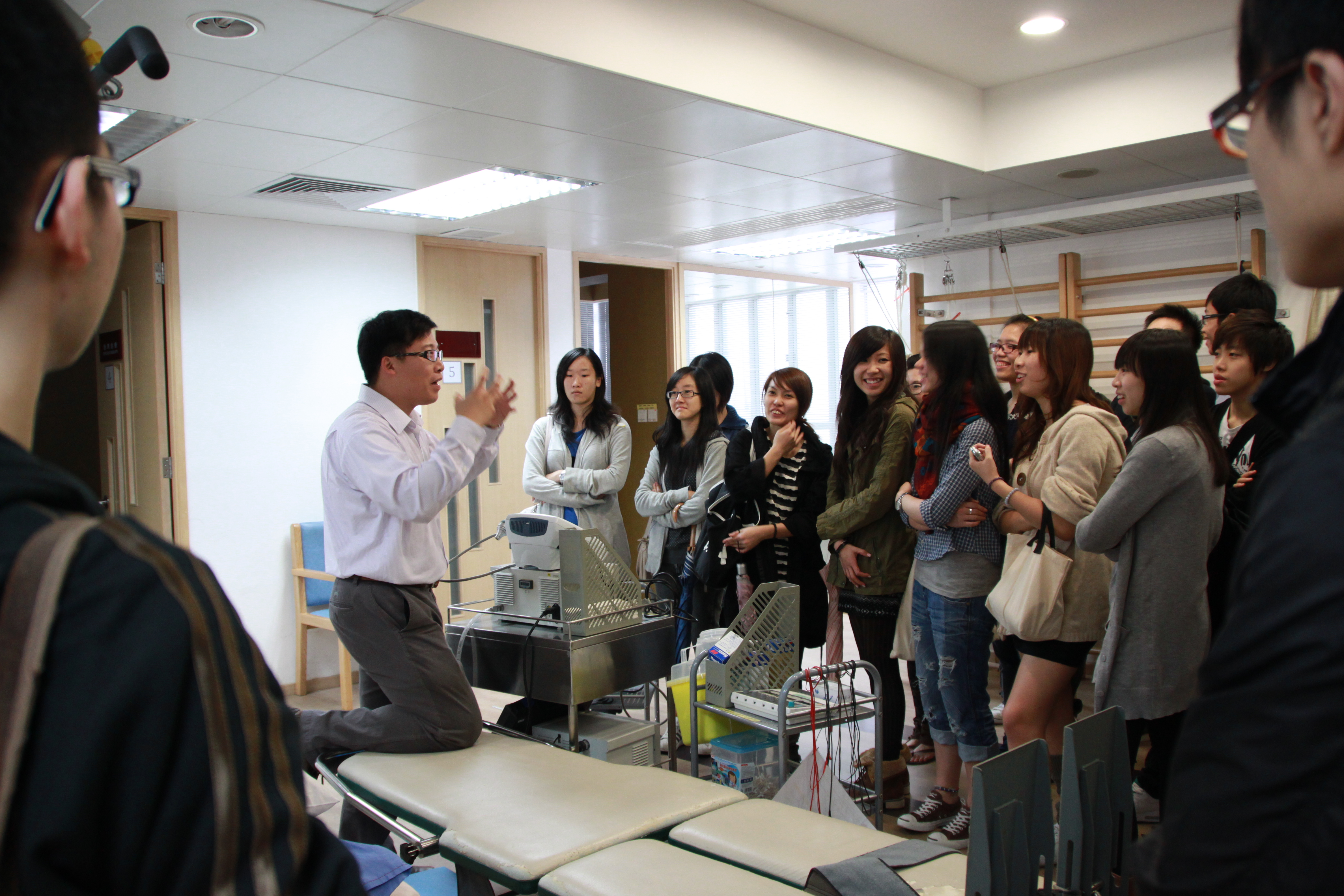 Visit to the Precious Blood Hospital (HD in Medical and Health Products Management programme) - Photo - 1